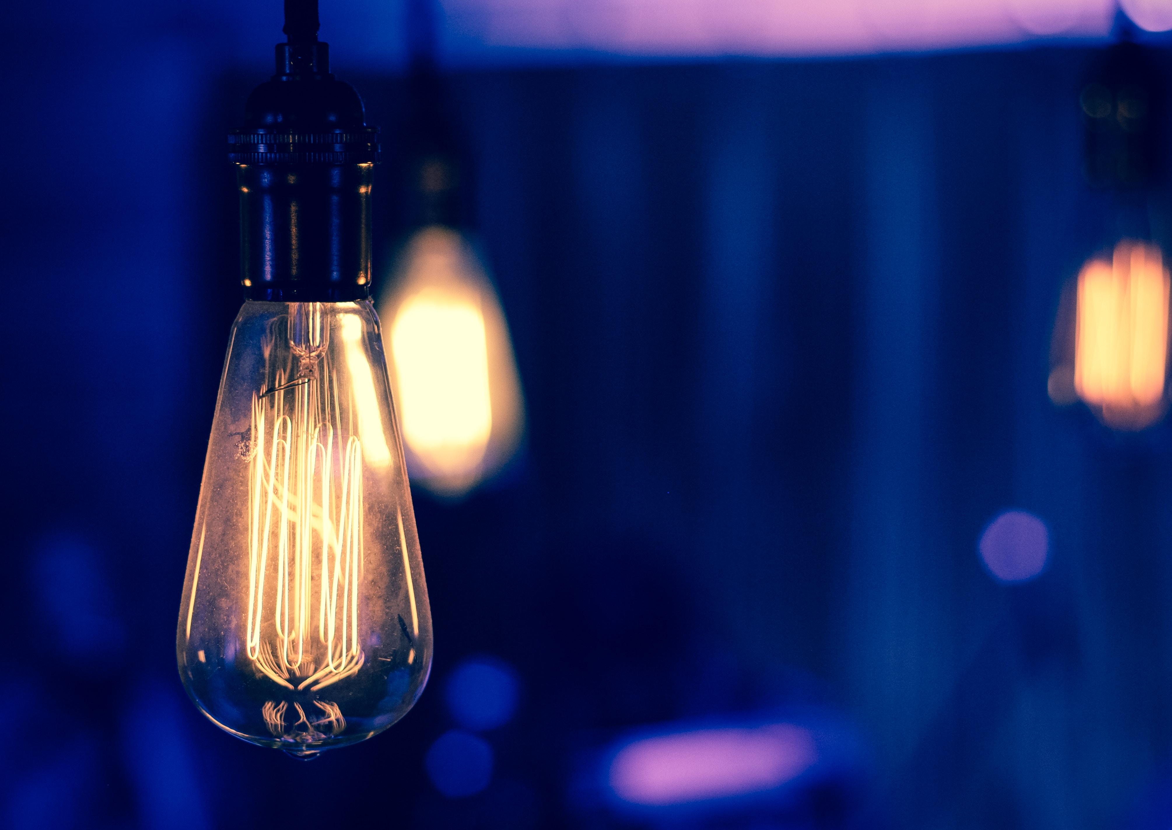 Sähkötekniikan opiskelu käytännössä: elektroniikan perusteet A