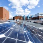 Energiatekniikan opiskelijat kesätöissä yliopistolla