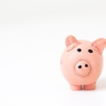 Kuinka opiskelija selviää taloudellisesti? Kolmen opiskelijan kuukausibudjetti lukuina