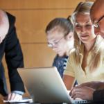 Kauppatieteiden opiskelu käytännössä: Yritysjuridiikan perusteet